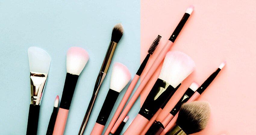 dicas e cuidados com os seus pincéis de maquiagem