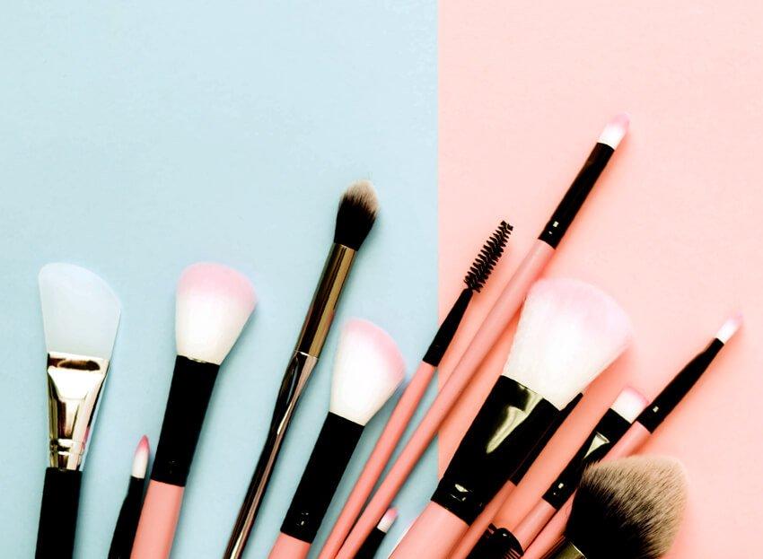 três dicas e cuidados com os pincéis profissionais de maquiagem